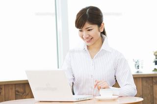 パソコン 女性 9 ブログ用.png